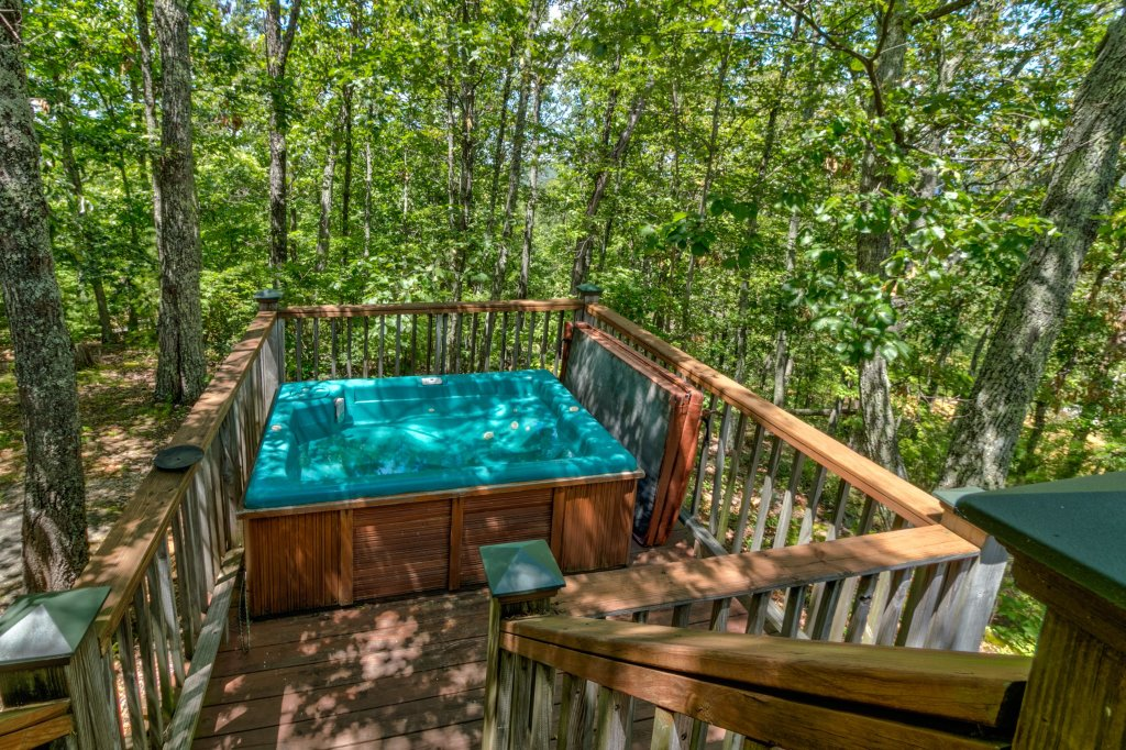 Photo of a Sevierville Cabin named Mockingbird's View Cabin - This is the twenty-second photo in the set.