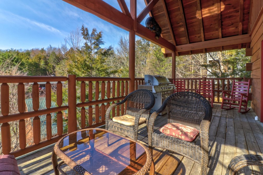 Photo of a Pigeon Forge Cabin named Peaceful Setting Cabin - This is the thirty-seventh photo in the set.