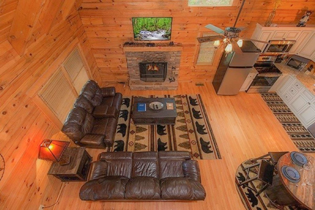 Photo of a Pigeon Forge Cabin named Bear Mountain Cabin - This is the thirty-seventh photo in the set.