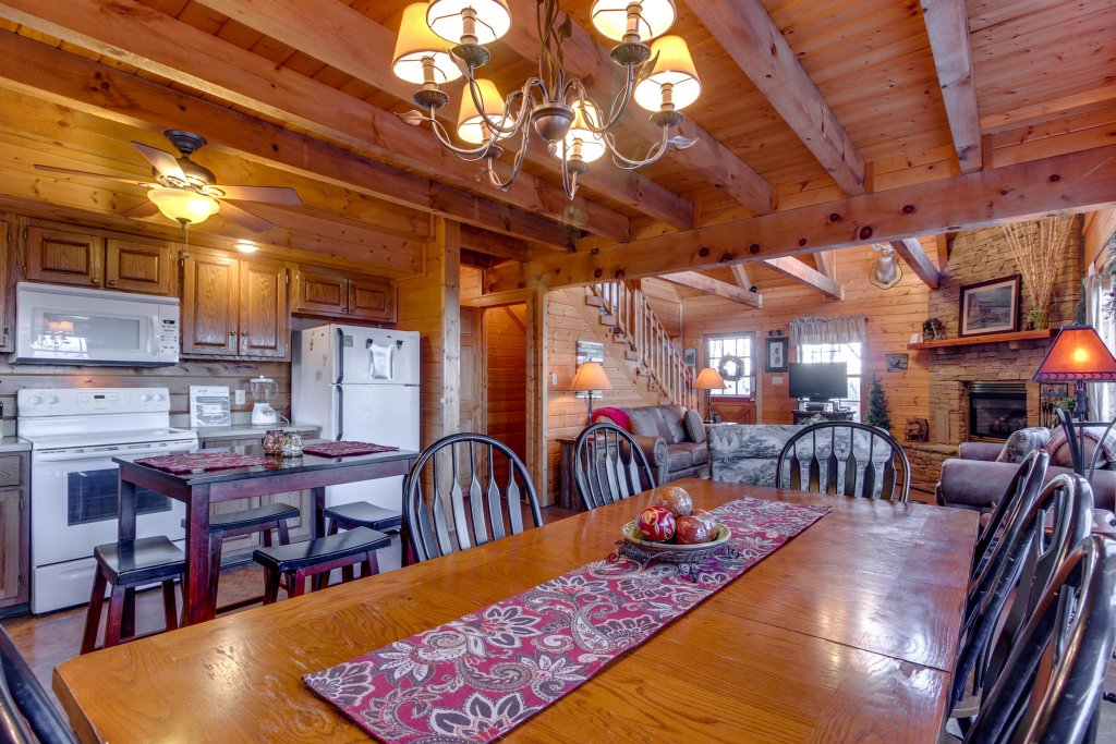 Photo of a Sevierville Cabin named Fox Hollow Cabin - This is the twenty-second photo in the set.