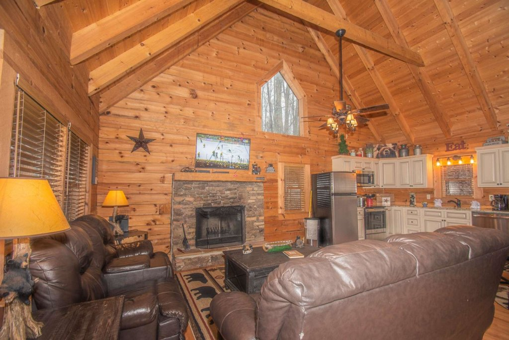 Photo of a Pigeon Forge Cabin named Bear Mountain Cabin - This is the thirty-ninth photo in the set.
