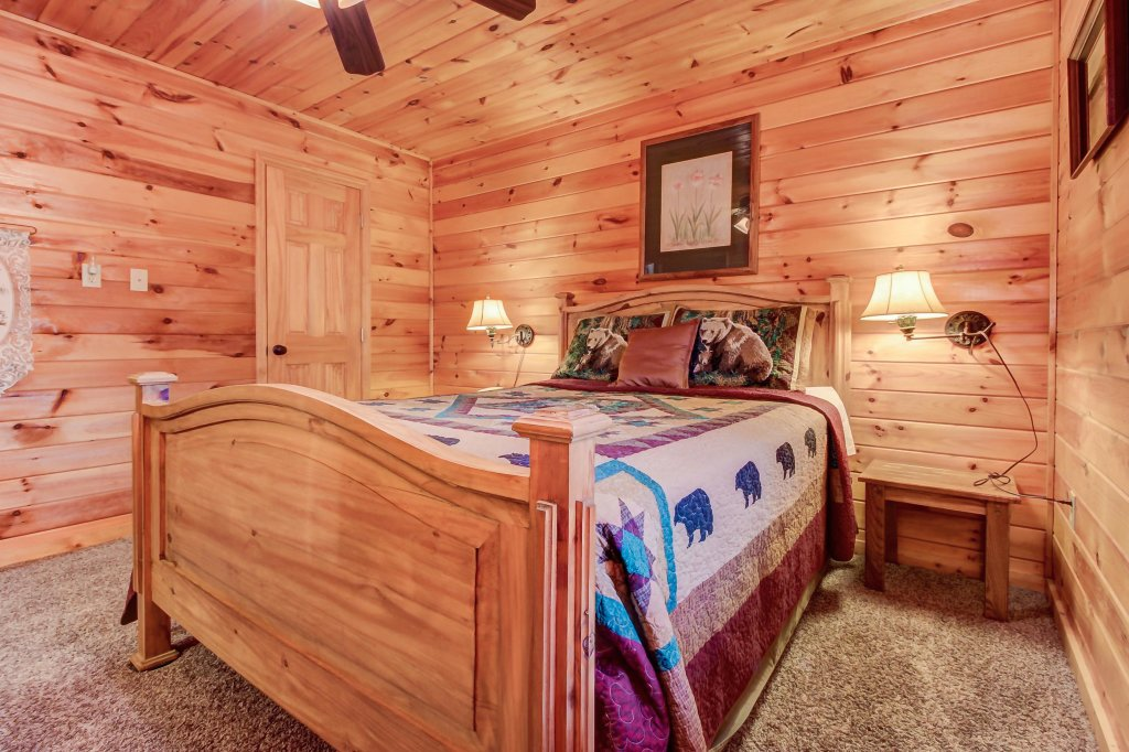Photo of a Pigeon Forge Cabin named Dixie Delight Cabin - This is the twelfth photo in the set.