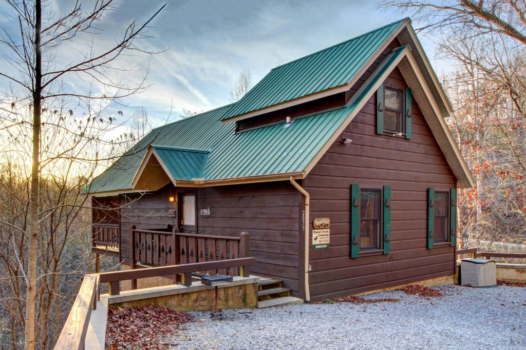 Photo of a Pigeon Forge Cabin named Running Bear Cabin - This is the twenty-fourth photo in the set.