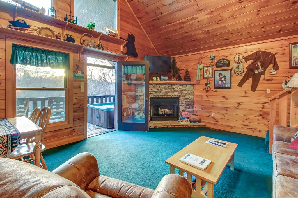 Photo of a Pigeon Forge Cabin named Running Bear Cabin - This is the first photo in the set.