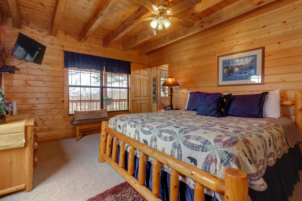 Photo of a Sevierville Cabin named Fox Hollow Cabin - This is the thirty-fifth photo in the set.