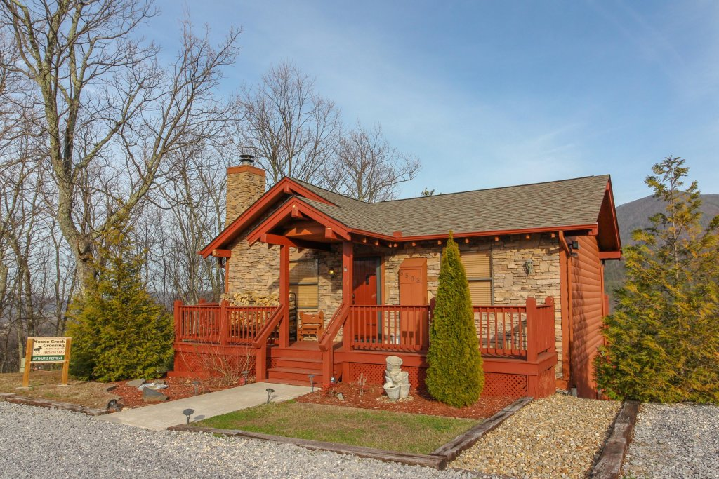 Photo of a Sevierville Cabin named Arthur's Retreat Cabin - This is the thirtieth photo in the set.