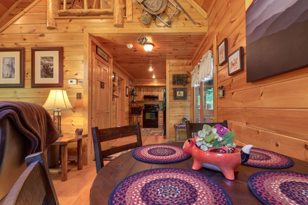 Photo of a Sevierville Cabin named Foxfire Cove Cabin - This is the eighteenth photo in the set.