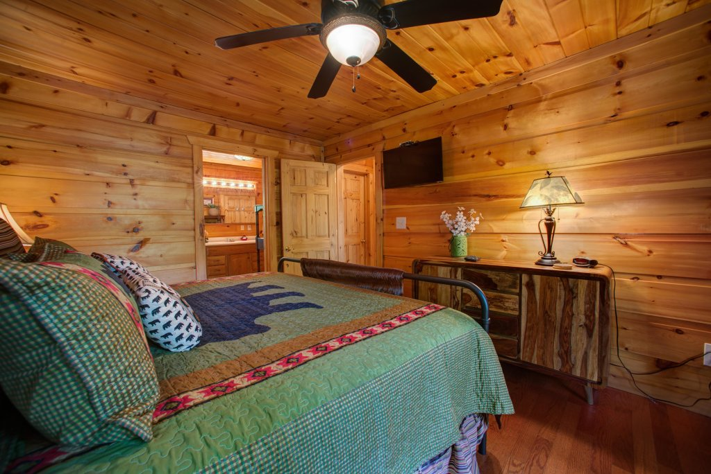 Photo of a Pigeon Forge Cabin named Bow Vista Cabin - This is the seventeenth photo in the set.