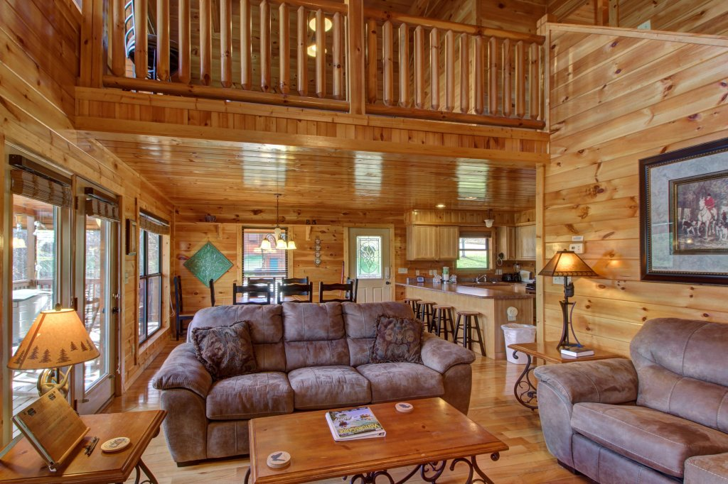 Photo of a Sevierville Cabin named Fit For Kings Cabin - This is the fortieth photo in the set.