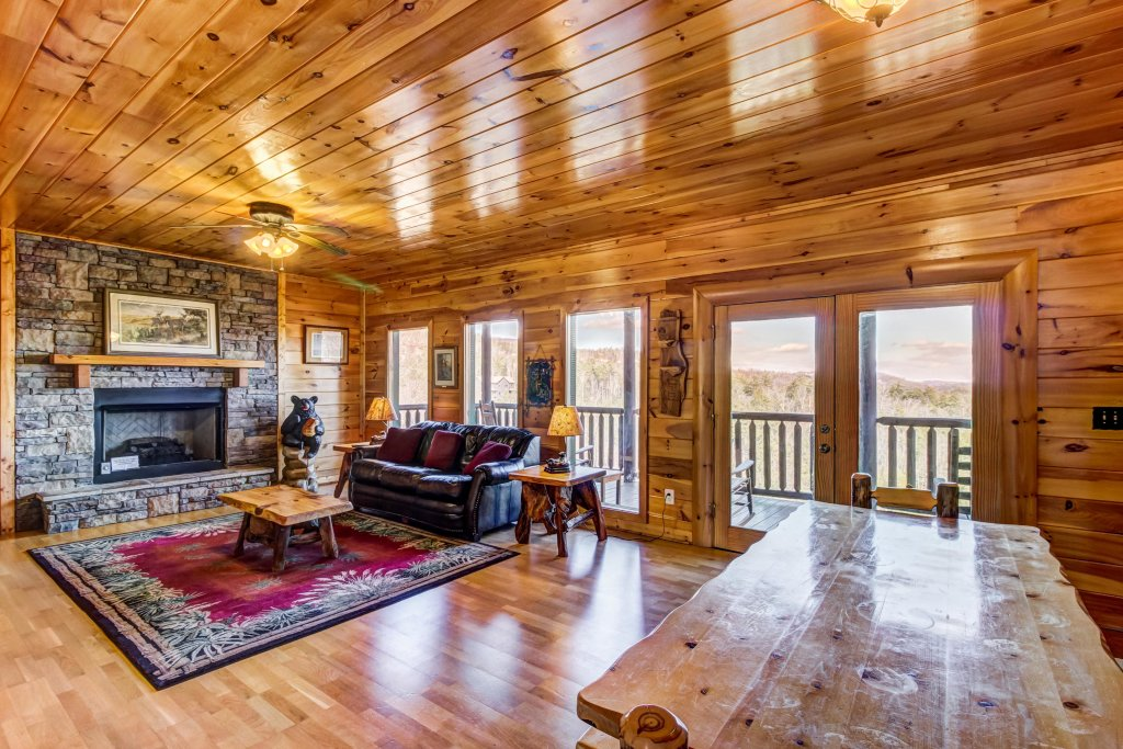 Photo of a Sevierville Cabin named Serenity's View Cabin - This is the thirty-first photo in the set.
