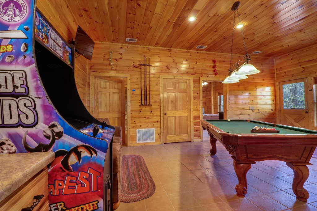 Photo of a Sevierville Cabin named Mama Bear Creek Bridge Cabin - This is the fourth photo in the set.