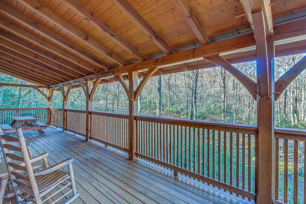 Photo of a Sevierville Cabin named Mama Bear Creek Bridge Cabin - This is the twenty-eighth photo in the set.