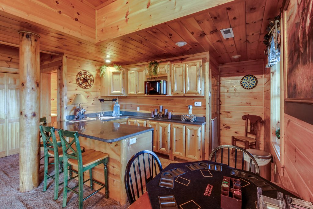 Photo of a Sevierville Cabin named Heaven On A Hill Cabin - This is the fourteenth photo in the set.