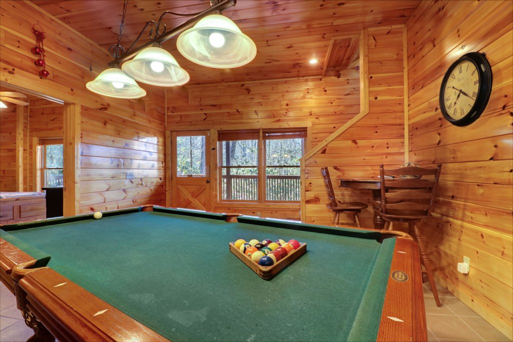 Photo of a Sevierville Cabin named Mama Bear Creek Bridge Cabin - This is the thirteenth photo in the set.