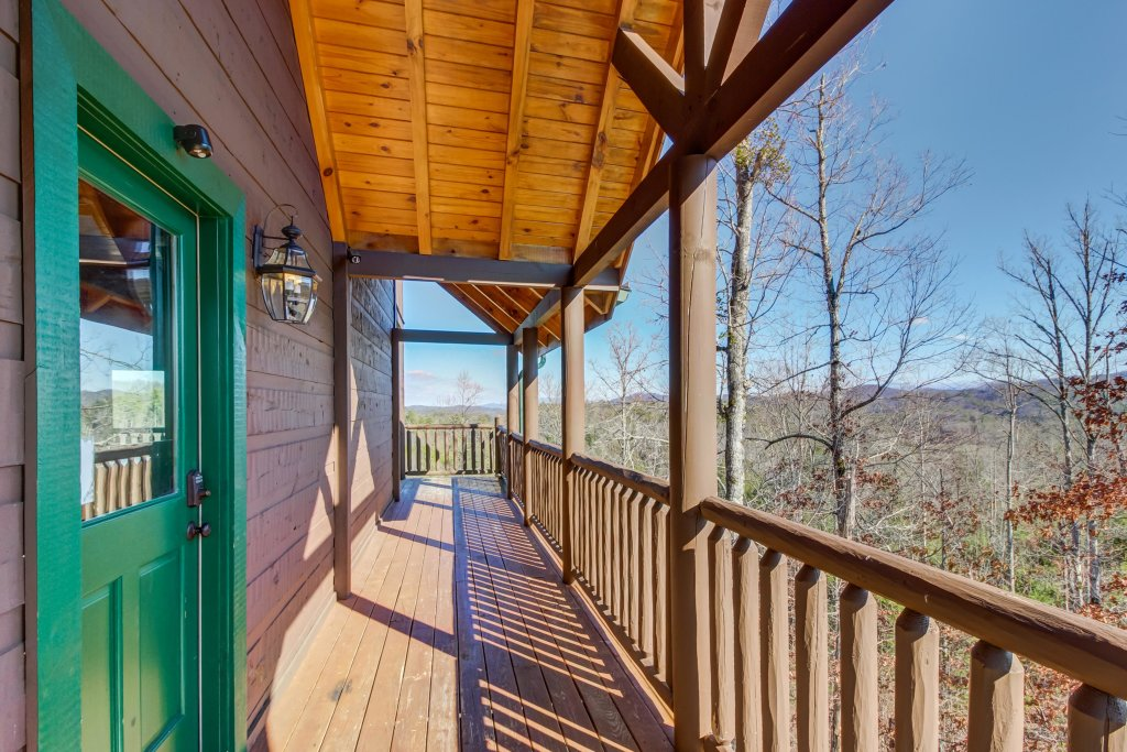 Photo of a Sevierville Cabin named Serenity's View Cabin - This is the twenty-fifth photo in the set.