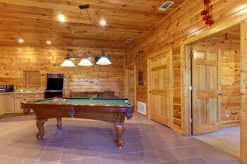 Photo of a Sevierville Cabin named Mama Bear Creek Bridge Cabin - This is the thirty-first photo in the set.