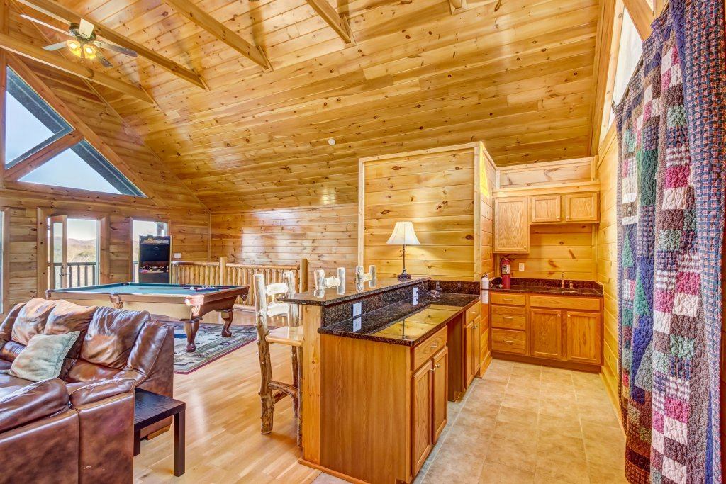 Photo of a Sevierville Cabin named Serenity's View Cabin - This is the thirtieth photo in the set.