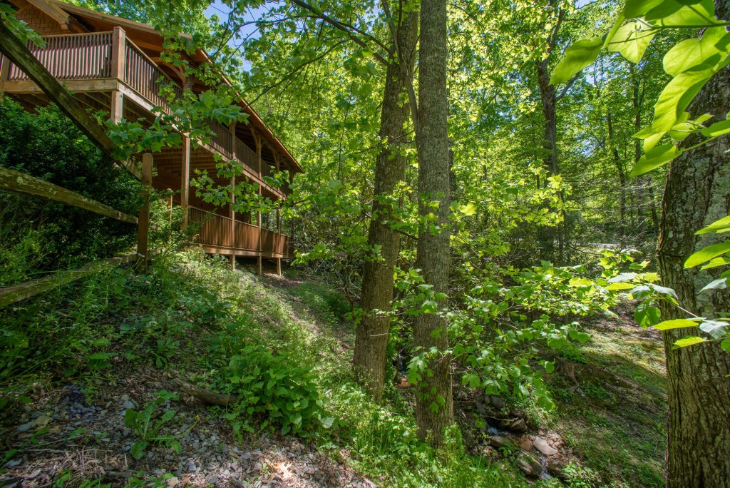 Photo of a Sevierville Cabin named Mama Bear Creek Bridge Cabin - This is the ninth photo in the set.