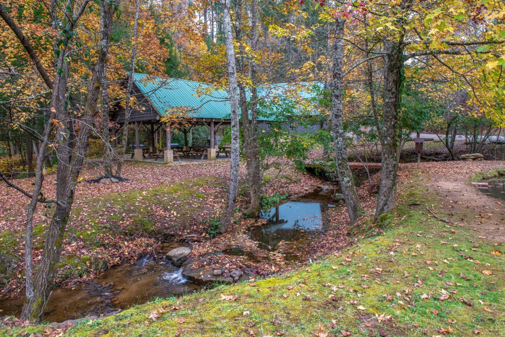 Photo of a Sevierville Cabin named Serenity's View Cabin - This is the forty-seventh photo in the set.