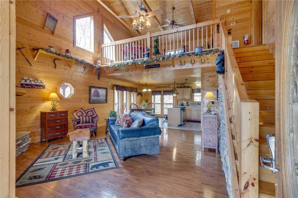Photo of a Sevierville Cabin named Majestic Hideaway - This is the third photo in the set.
