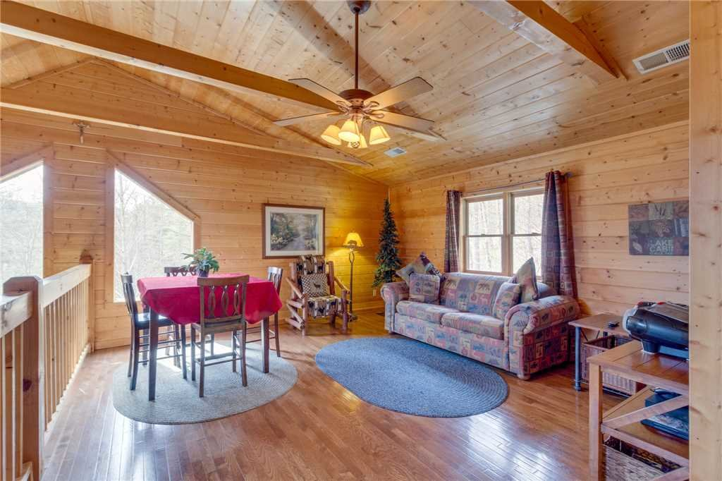 Photo of a Sevierville Cabin named Majestic Hideaway - This is the twenty-third photo in the set.