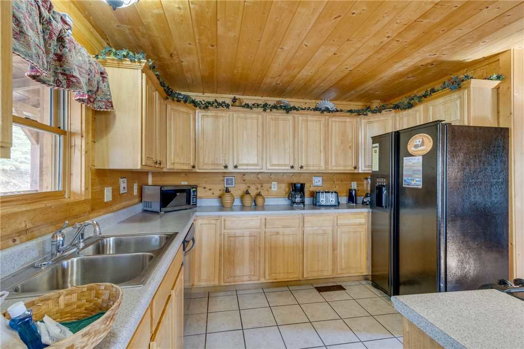 Photo of a Sevierville Cabin named Majestic Hideaway - This is the thirteenth photo in the set.