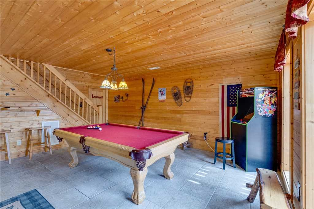 Photo of a Sevierville Cabin named Majestic Hideaway - This is the thirty-fifth photo in the set.