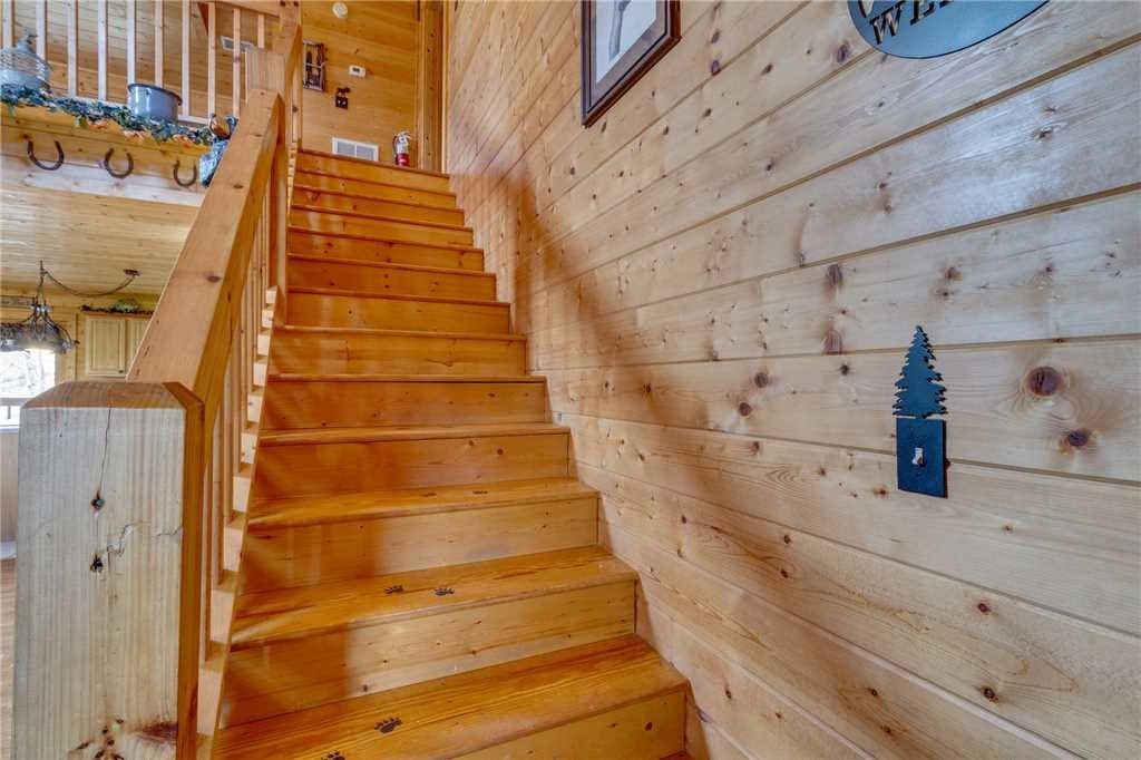 Photo of a Sevierville Cabin named Majestic Hideaway - This is the twenty-second photo in the set.