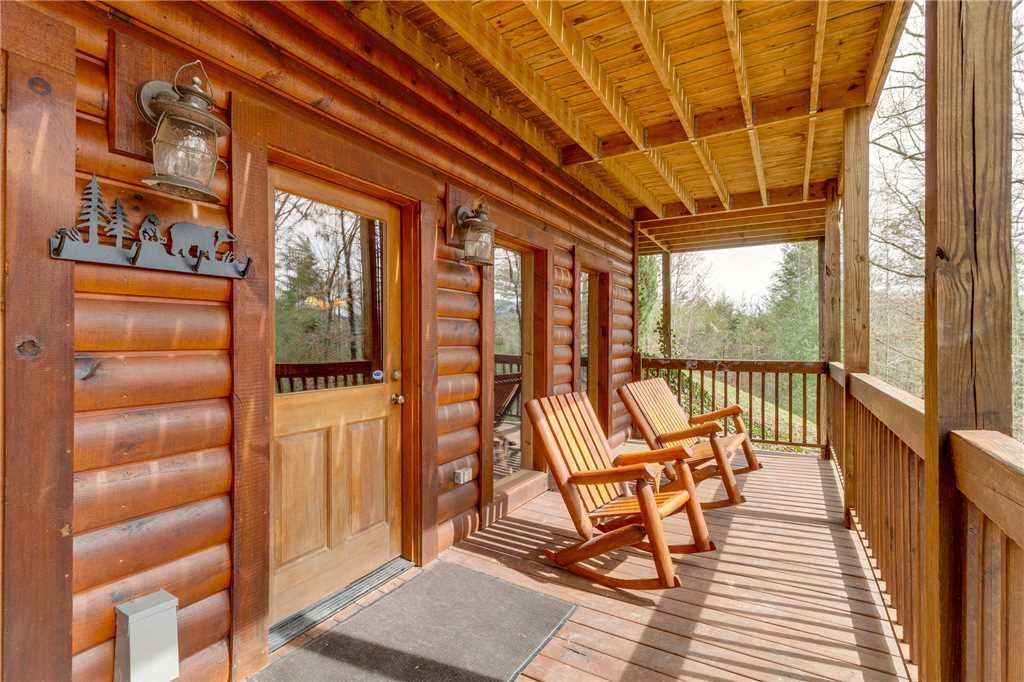 Photo of a Sevierville Cabin named Majestic Hideaway - This is the forty-eighth photo in the set.