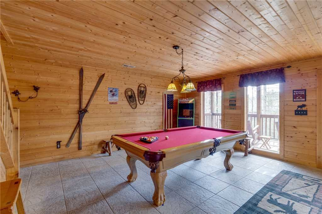 Photo of a Sevierville Cabin named Majestic Hideaway - This is the thirty-fourth photo in the set.