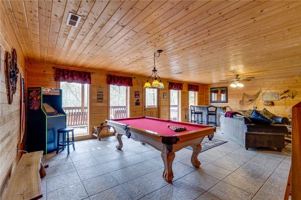 Photo of a Sevierville Cabin named Majestic Hideaway - This is the thirty-third photo in the set.
