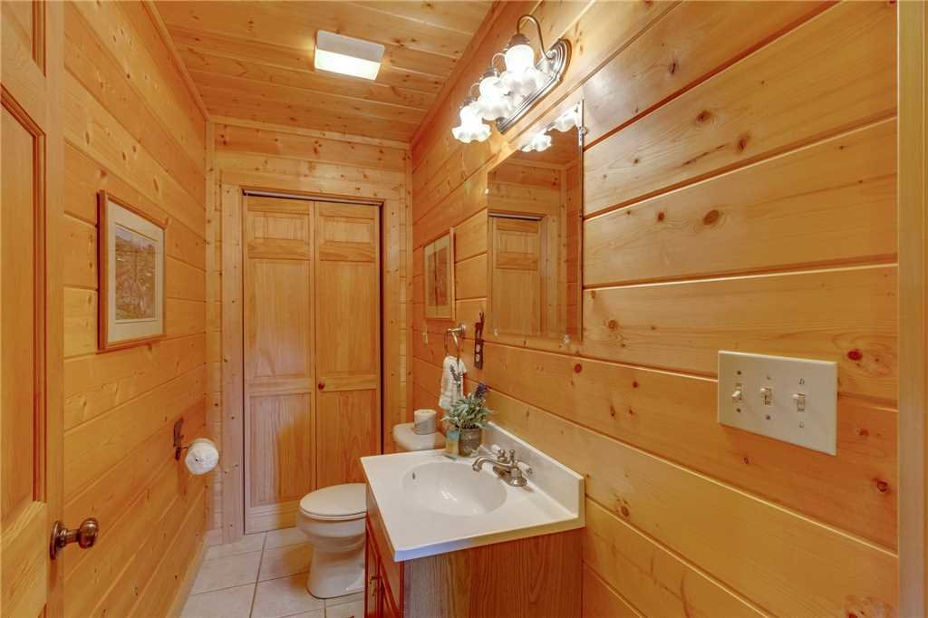 Photo of a Sevierville Cabin named Majestic Hideaway - This is the twenty-first photo in the set.