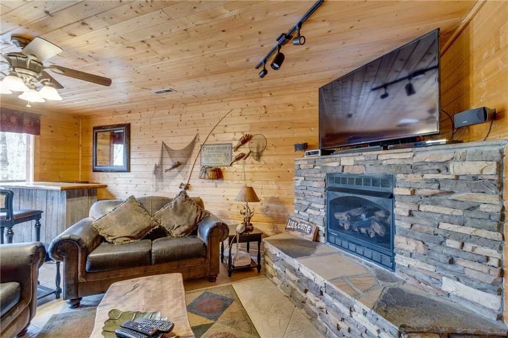 Photo of a Sevierville Cabin named Majestic Hideaway - This is the thirty-eighth photo in the set.