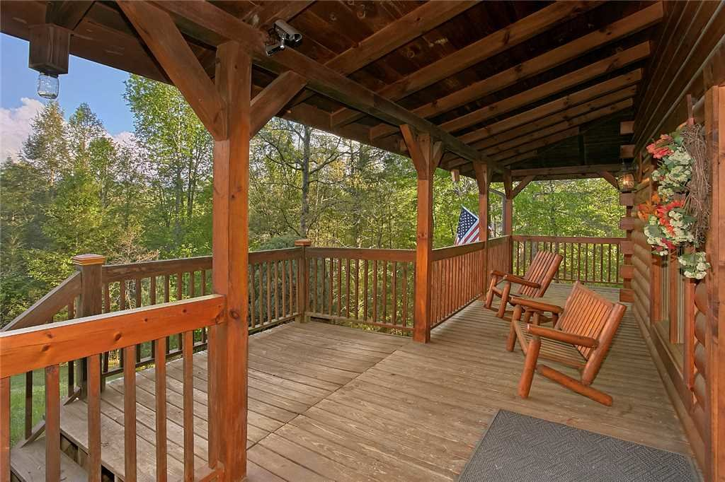 Photo of a Sevierville Cabin named Majestic Hideaway - This is the forty-seventh photo in the set.