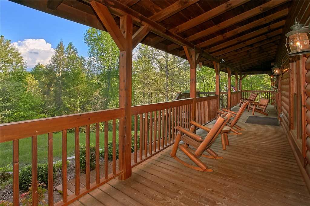 Photo of a Sevierville Cabin named Majestic Hideaway - This is the forty-sixth photo in the set.