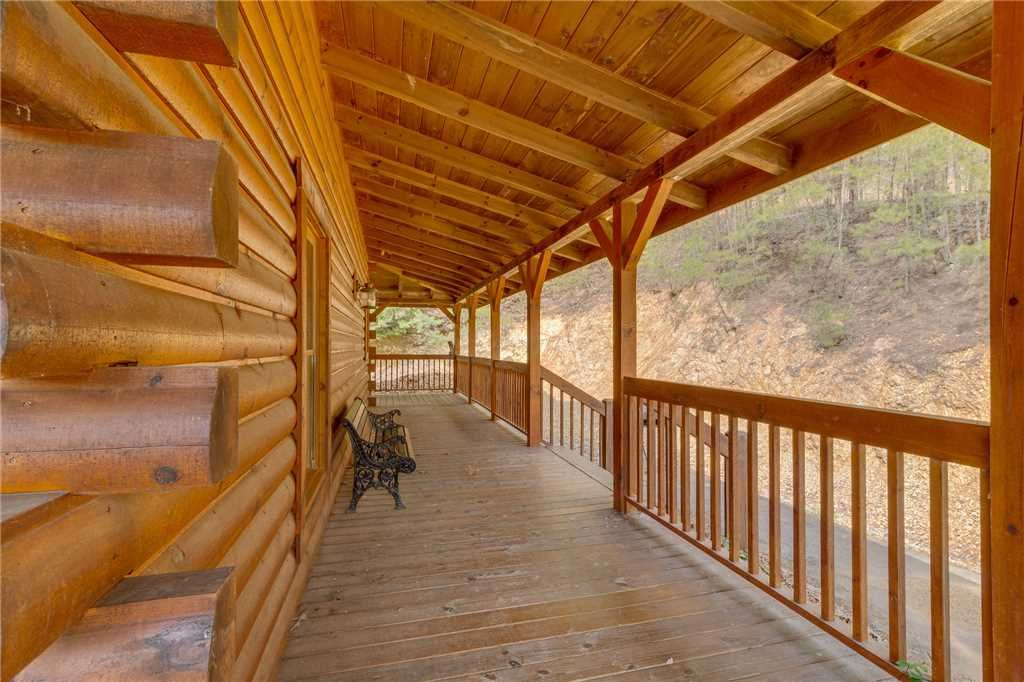 Photo of a Sevierville Cabin named Majestic Hideaway - This is the fifty-fifth photo in the set.