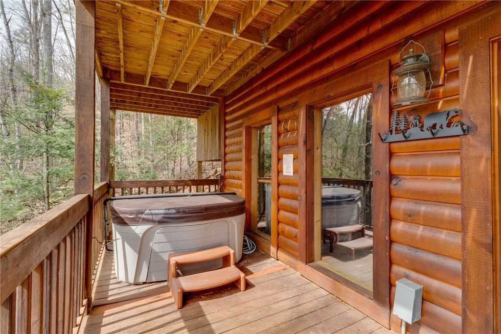 Photo of a Sevierville Cabin named Majestic Hideaway - This is the forty-fourth photo in the set.