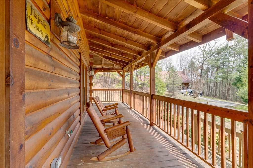 Photo of a Sevierville Cabin named Majestic Hideaway - This is the fifty-seventh photo in the set.