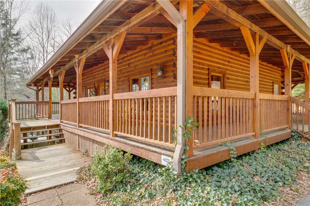 Photo of a Sevierville Cabin named Majestic Hideaway - This is the sixtieth photo in the set.
