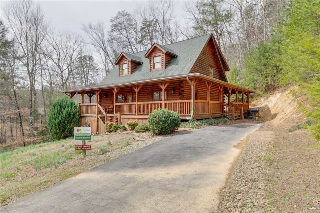 Photo of a Sevierville Cabin named Majestic Hideaway - This is the sixty-second photo in the set.