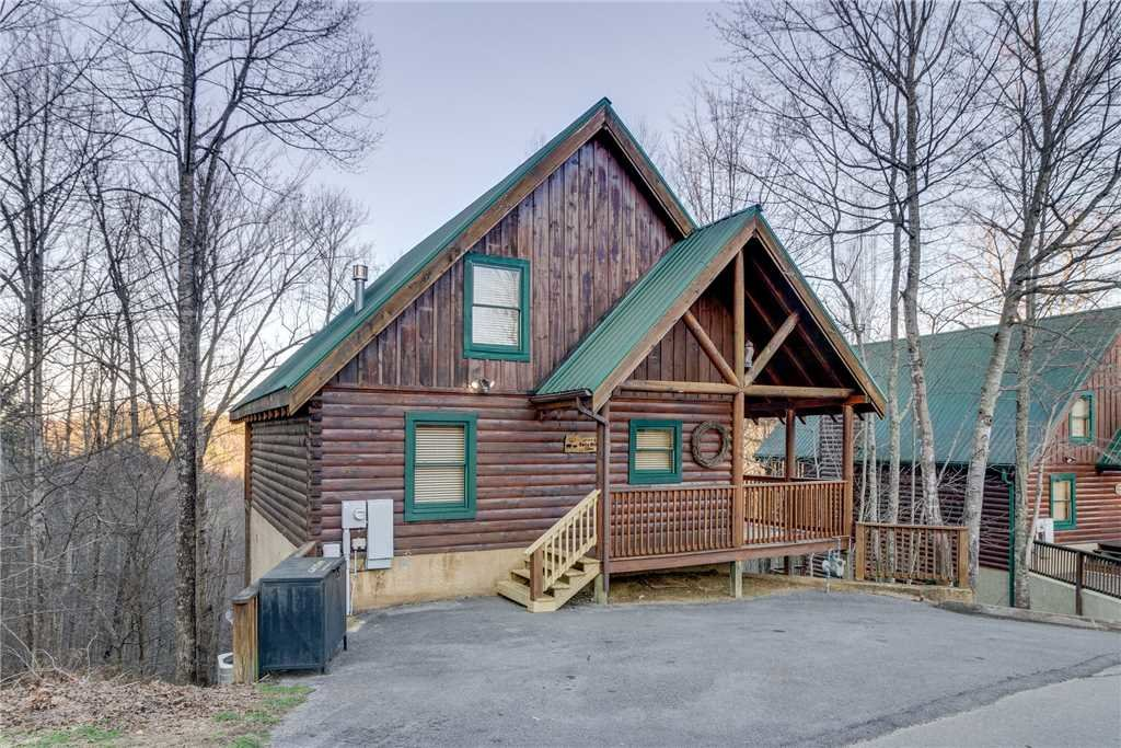 Photo of a Pigeon Forge Cabin named Cozy Bear Cabin - This is the forty-eighth photo in the set.