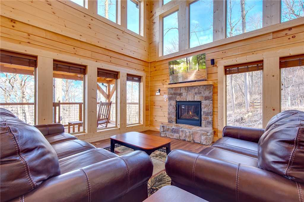 Photo of a Gatlinburg Cabin named Back To Nature - This is the first photo in the set.