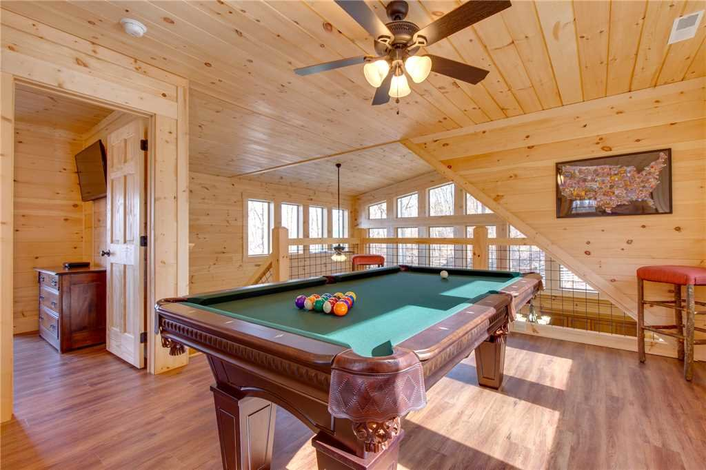 Photo of a Gatlinburg Cabin named Back To Nature - This is the twelfth photo in the set.