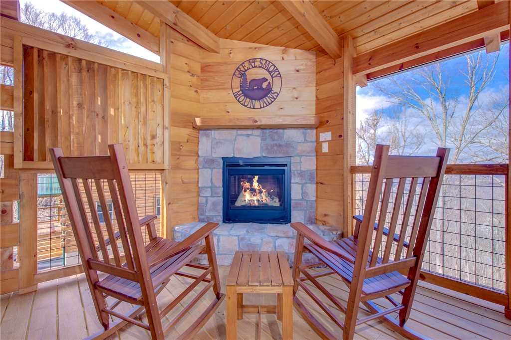 Photo of a Gatlinburg Cabin named Back To Nature - This is the third photo in the set.