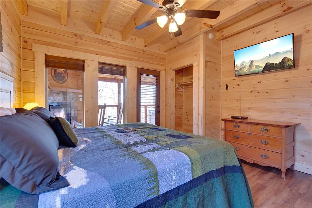 Photo of a Gatlinburg Cabin named Back To Nature - This is the nineteenth photo in the set.