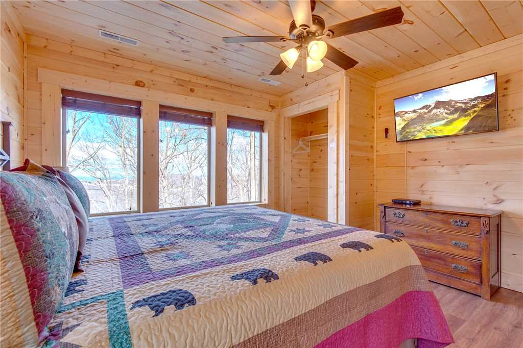 Photo of a Gatlinburg Cabin named Back To Nature - This is the fifteenth photo in the set.
