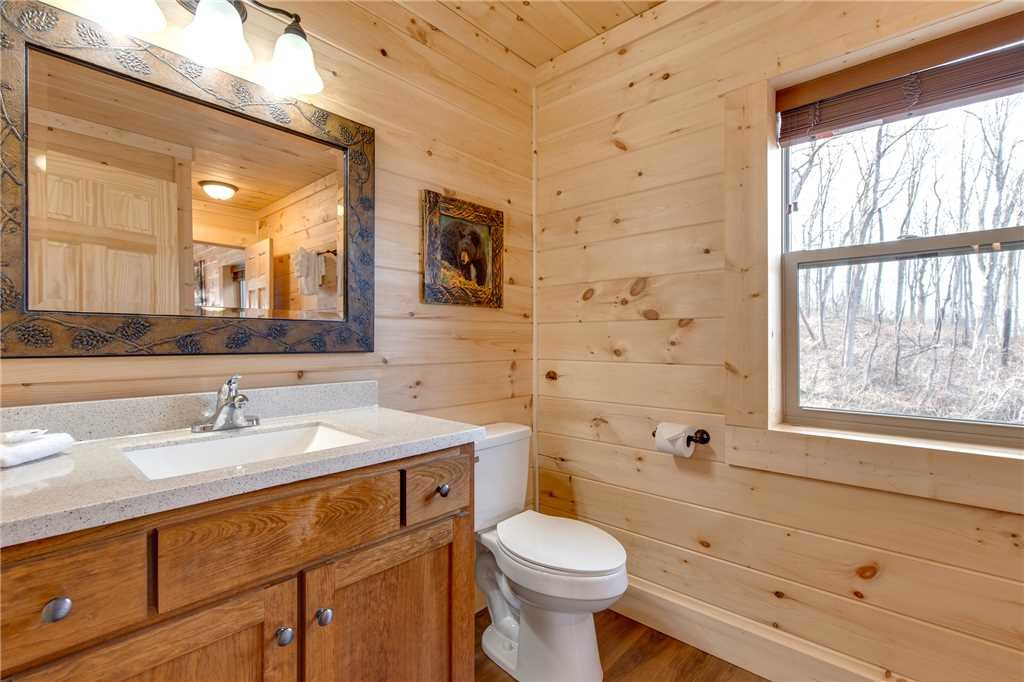 Photo of a Gatlinburg Cabin named Back To Nature - This is the sixteenth photo in the set.