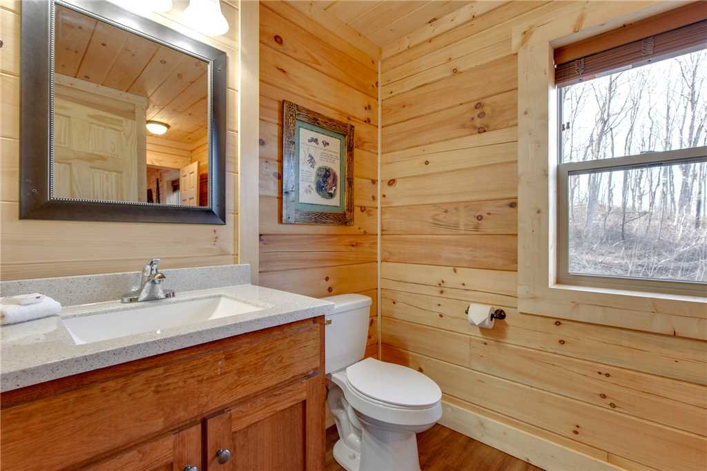 Photo of a Gatlinburg Cabin named Back To Nature - This is the twentieth photo in the set.