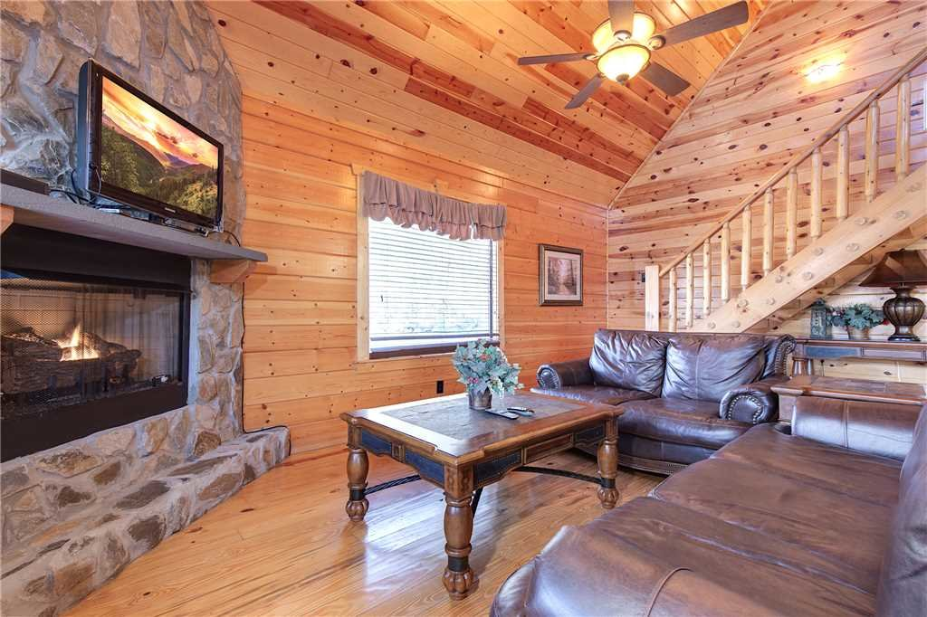 Photo of a Gatlinburg Cabin named Marlene's Hideaway - This is the second photo in the set.