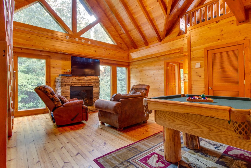 Photo of a Pigeon Forge Cabin named Mountain Cinema Lodge - This is the fifteenth photo in the set.